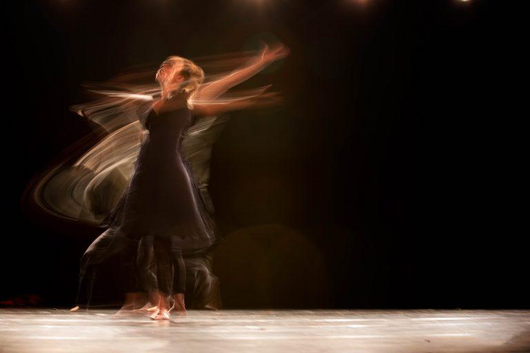 photo femme danse