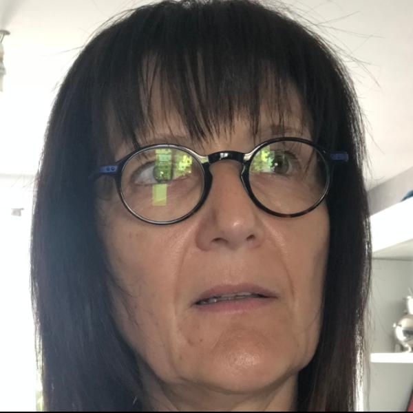 Karine Leyet portrait