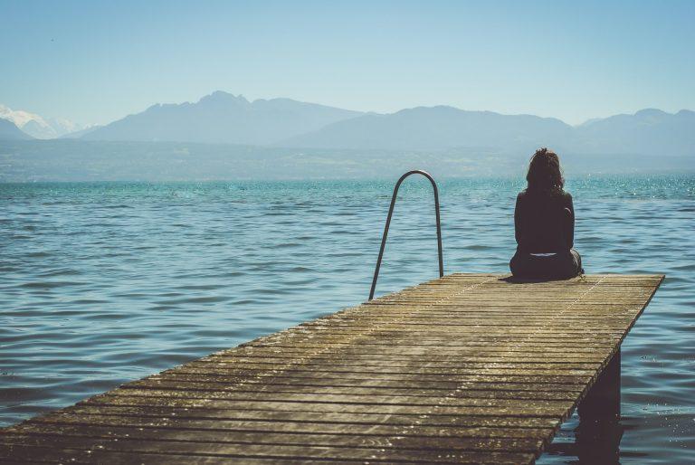 femme lac léman