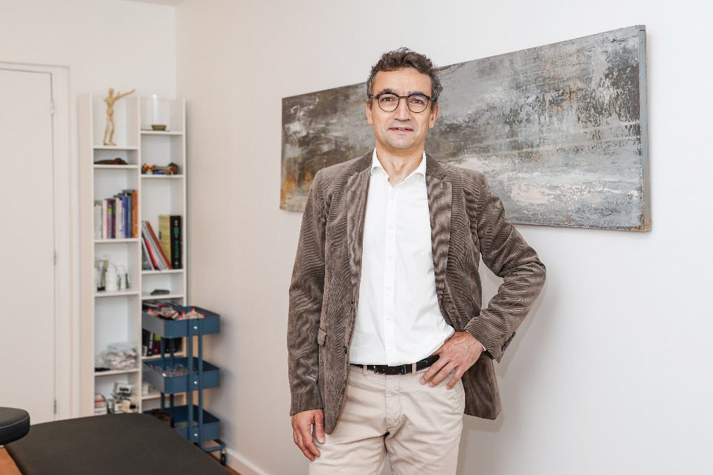 Nicolas Gouspy portrait debout