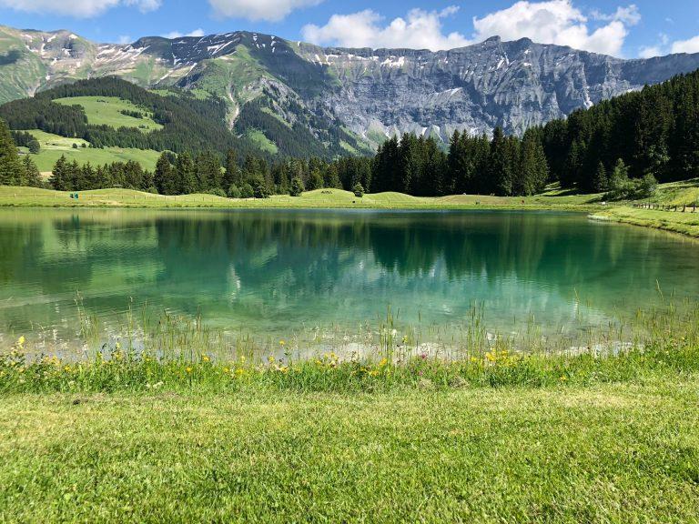 photo montagne lac alpes